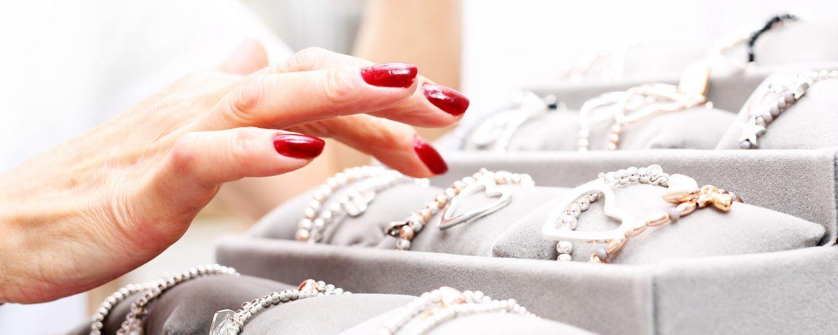 Biżuteria na co dzień - aktualne trendy