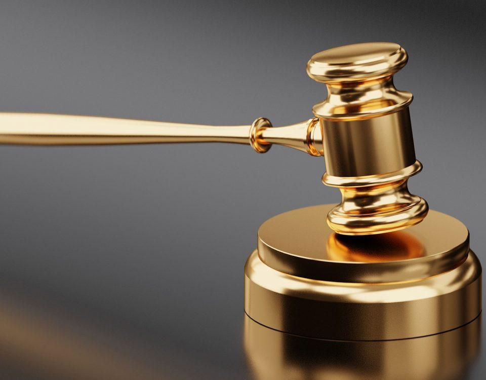 Kto jest upoważniony do prowadzenia rozmów z sędzią